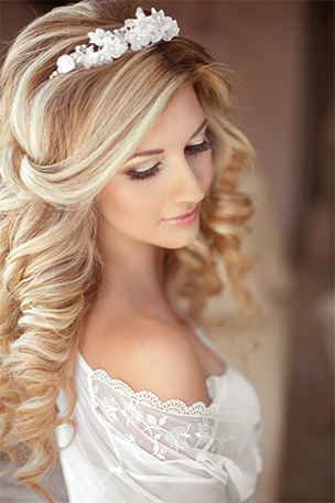 Bridal bella vida salon bella vida salon offers a range of services for the bride and bridal parties we can start by helping to evaluate the color and condition of your hair so it junglespirit Choice Image